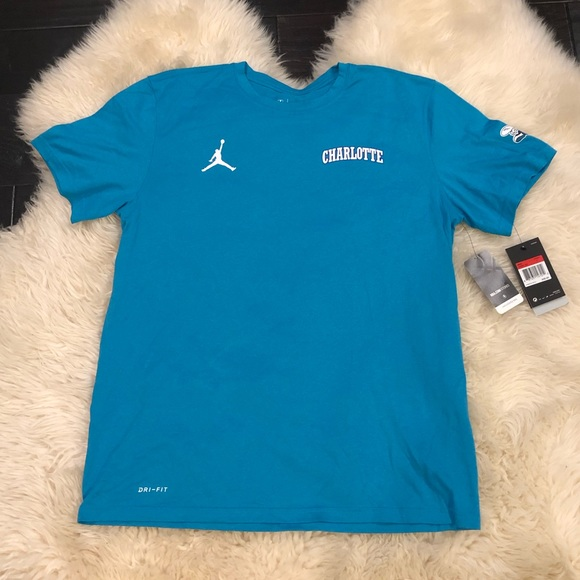 sports shoes ffdfb a878f Charlotte Hornets NBA Jordan basketball shirt. NWT. Nike